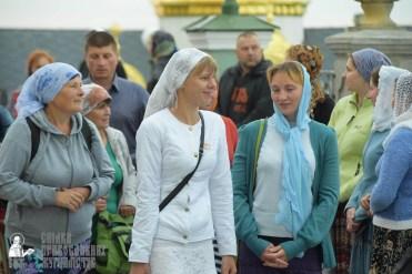 easter_procession_ukraine_pochaev_sr_0022