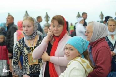 easter_procession_ukraine_pochaev_sr_0023