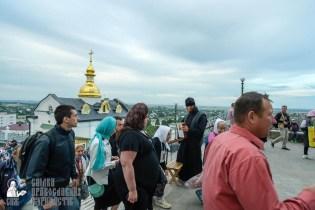 easter_procession_ukraine_pochaev_sr_0044