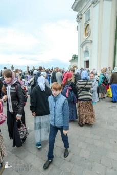 easter_procession_ukraine_pochaev_sr_0047