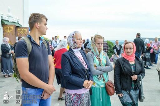 easter_procession_ukraine_pochaev_sr_0048