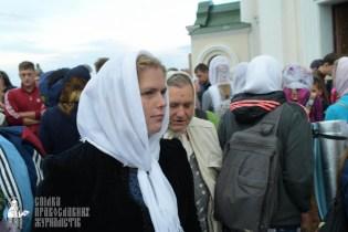 easter_procession_ukraine_pochaev_sr_0055