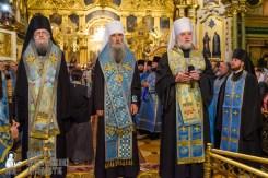 easter_procession_ukraine_pochaev_sr_0063