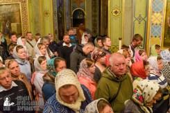 easter_procession_ukraine_pochaev_sr_0073