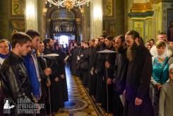 easter_procession_ukraine_pochaev_sr_0075