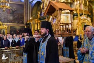 easter_procession_ukraine_pochaev_sr_0093