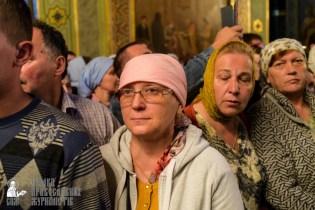 easter_procession_ukraine_pochaev_sr_0094