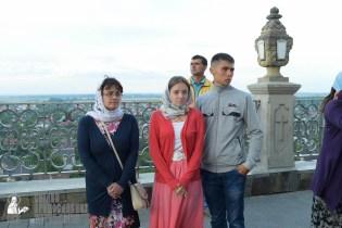 easter_procession_ukraine_pochaev_sr_0095