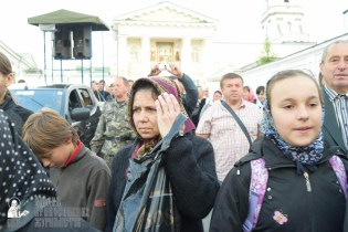 easter_procession_ukraine_pochaev_sr_0111