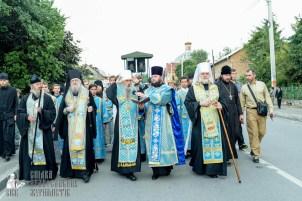easter_procession_ukraine_pochaev_sr_0119