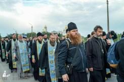 easter_procession_ukraine_pochaev_sr_0138
