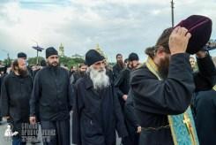 easter_procession_ukraine_pochaev_sr_0142