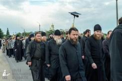 easter_procession_ukraine_pochaev_sr_0143