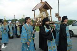 easter_procession_ukraine_pochaev_sr_0149