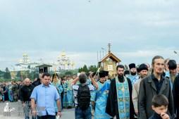 easter_procession_ukraine_pochaev_sr_0173