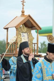 easter_procession_ukraine_pochaev_sr_0174