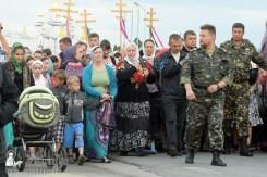 easter_procession_ukraine_pochaev_sr_0178