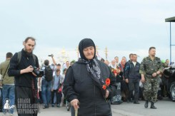 easter_procession_ukraine_pochaev_sr_0179