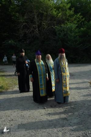 easter_procession_ukraine_pochaev_sr_0252