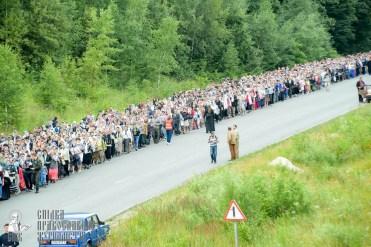easter_procession_ukraine_pochaev_sr_0276