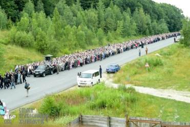 easter_procession_ukraine_pochaev_sr_0277