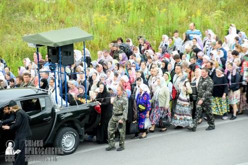 easter_procession_ukraine_pochaev_sr_0284