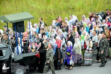 easter_procession_ukraine_pochaev_sr_0288