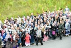 easter_procession_ukraine_pochaev_sr_0290