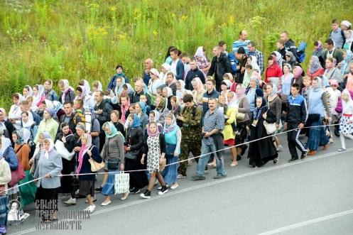 easter_procession_ukraine_pochaev_sr_0306
