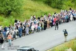 easter_procession_ukraine_pochaev_sr_0319