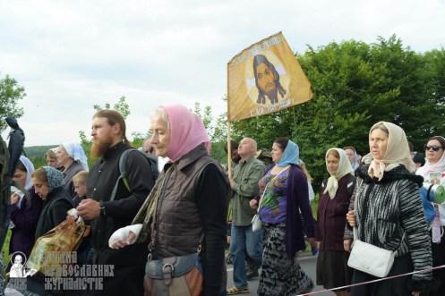 easter_procession_ukraine_pochaev_sr_0332