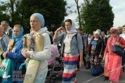 easter_procession_ukraine_pochaev_sr_0340