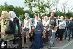 easter_procession_ukraine_pochaev_sr_0369