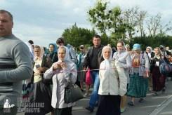 easter_procession_ukraine_pochaev_sr_0371