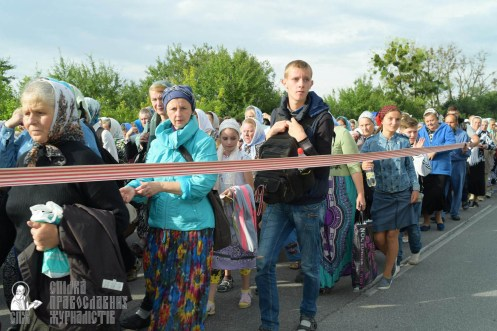 easter_procession_ukraine_pochaev_sr_0387