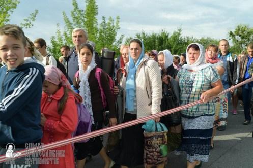 easter_procession_ukraine_pochaev_sr_0390