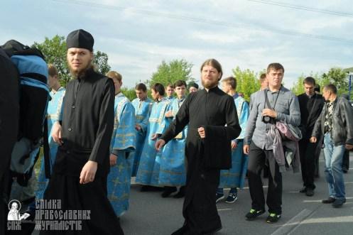 easter_procession_ukraine_pochaev_sr_0401