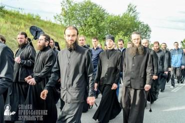 easter_procession_ukraine_pochaev_sr_0421