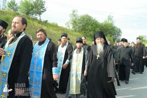 easter_procession_ukraine_pochaev_sr_0423