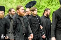 easter_procession_ukraine_pochaev_sr_0457