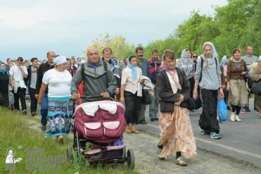 easter_procession_ukraine_pochaev_sr_0514