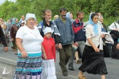 easter_procession_ukraine_pochaev_sr_0518