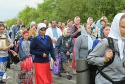 easter_procession_ukraine_pochaev_sr_0521