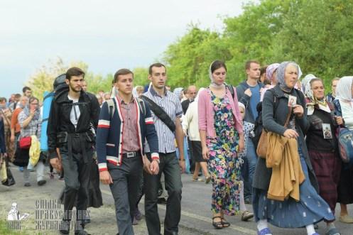 easter_procession_ukraine_pochaev_sr_0524