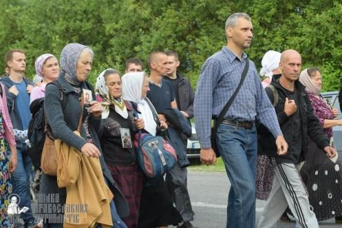 easter_procession_ukraine_pochaev_sr_0527