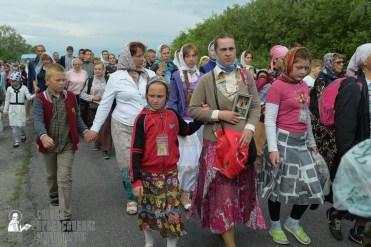 easter_procession_ukraine_pochaev_sr_0537