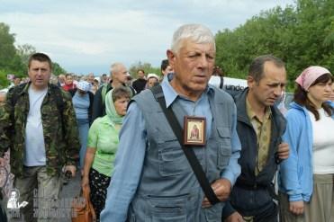 easter_procession_ukraine_pochaev_sr_0548