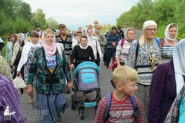 easter_procession_ukraine_pochaev_sr_0592