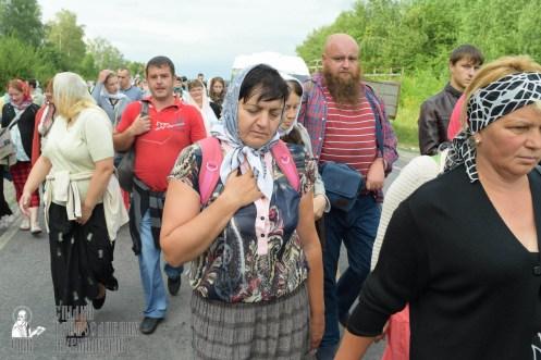 easter_procession_ukraine_pochaev_sr_0605