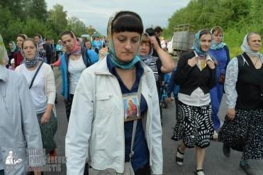 easter_procession_ukraine_pochaev_sr_0614